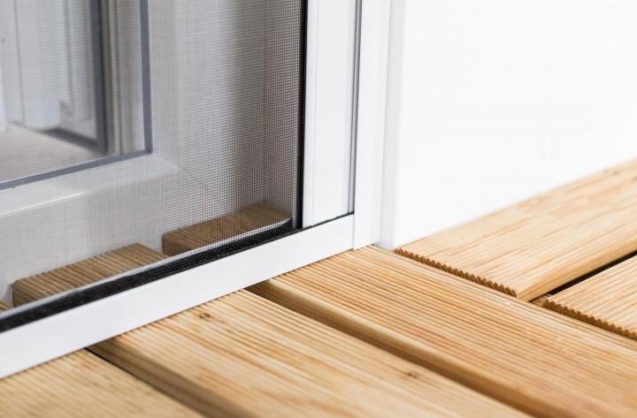 Insektenschutzrollo Tür Smart Wandabschluß