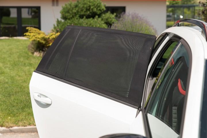 Auto Sonnenschutz  Montage Tür geöffnet