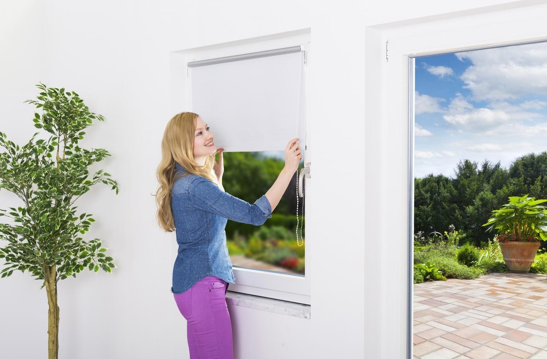 sonnenschutzrollo f r fenster thermo insektenstop. Black Bedroom Furniture Sets. Home Design Ideas